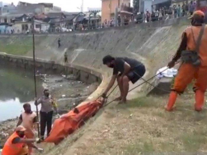 Jenazah Pria dengan Tangan Terikat Ditemukan di Kali Ciliwung