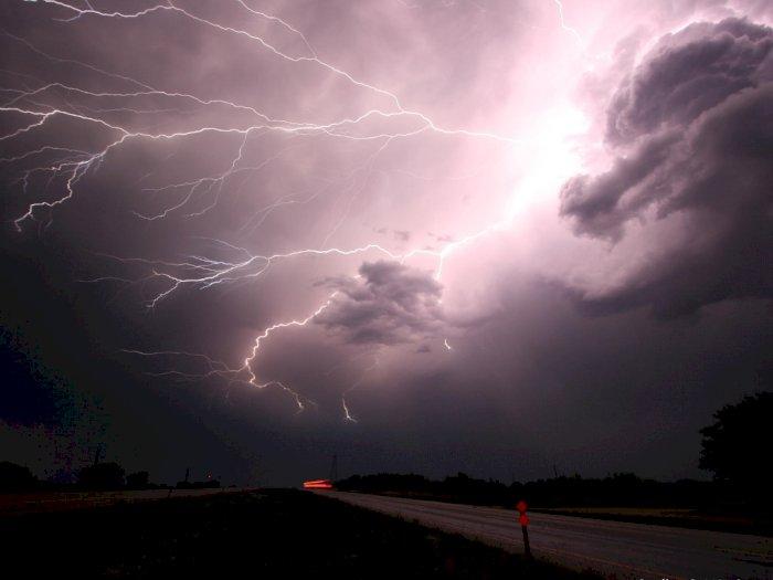BMKG: Sejumlah Wilayah di Sumut Berpotensi Hujan Badai pada Hari Ini