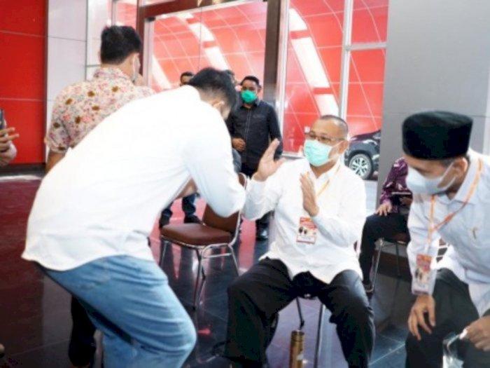 'Sesama Marga Nasution, Saya Harus Hormati Senior' Kata Bobby ke Akhyar