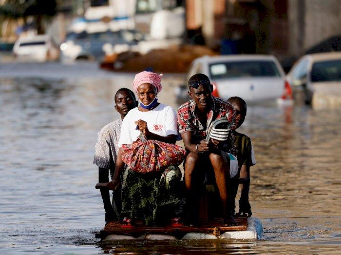 FOTO: Hujan Deras Membanjiri Ibu Kota Senegal
