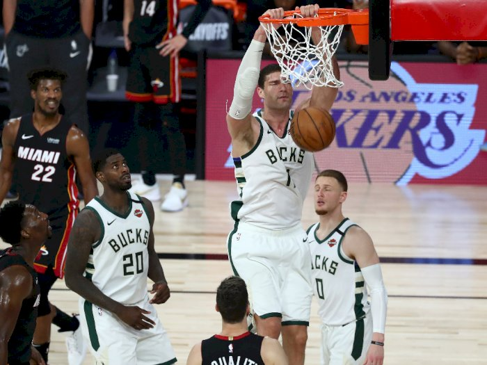 FOTO: Miami Heat Mengalahkan Milwaukee Bucks 103-94 di Game 5