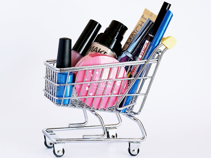 4 Rekomendasi Produk Makeup untuk Sempurnakan Penampilan Kamu