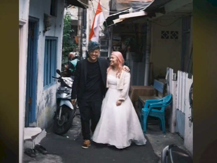 Cewek Kaya Pilih Prewedding di Gang Sempit Jakarta, Sukses Bikin Netizen Terharu