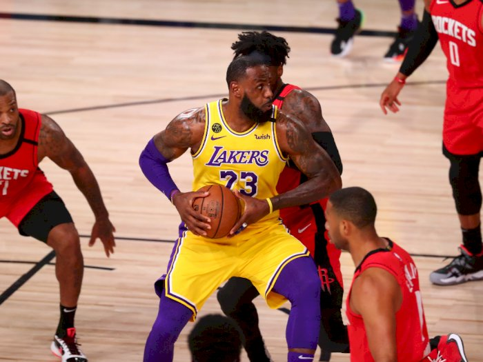 FOTO: Los Angeles Lakers Tundukkan Houston Rockets 110-100, Memimpin Seri 3-1