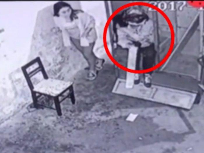Nekat! Masuk Wahana Rumah Hantu Wanita ini Malah Ngagetin 'Hantu', Reaksinya tak Terduga!