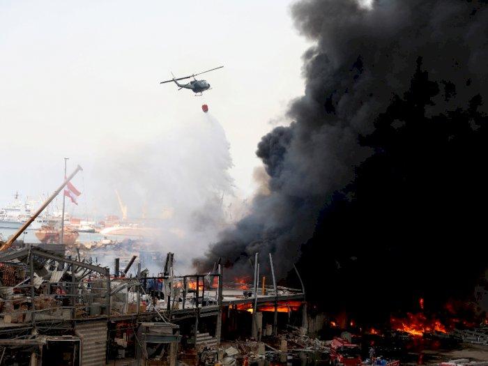 FOTO: Kebakaran Besar Meletus di Pelabuhan Beirut