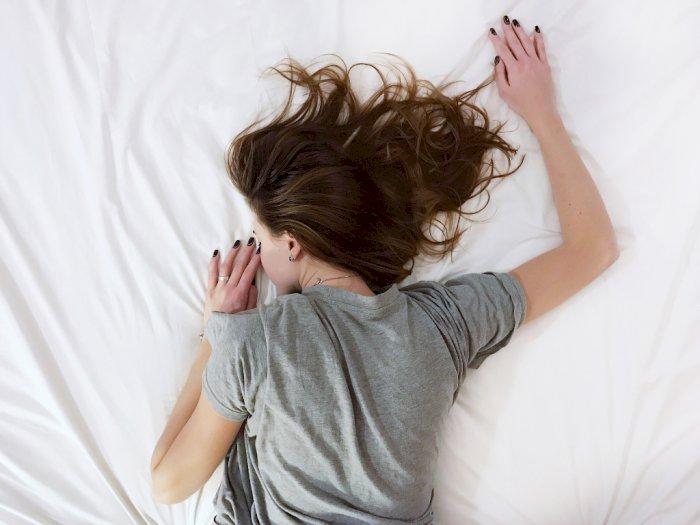 Dermatitis Atopik Mengganggu Tidur Kamu? Ini Pilihan Bahan Seprai yang Harus Kamu Pilih