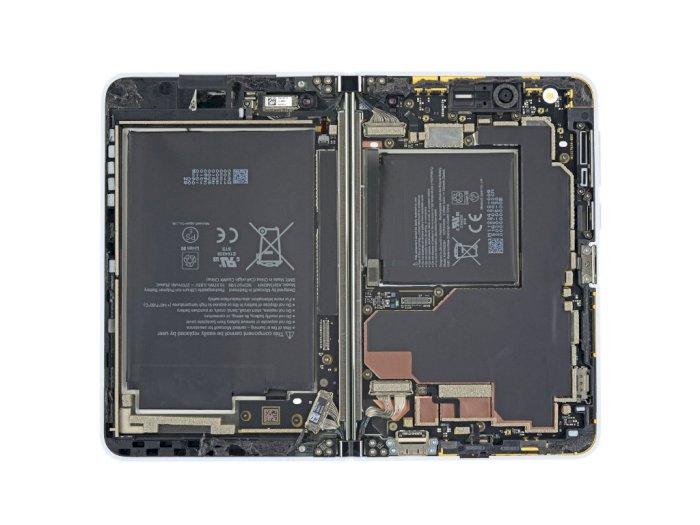 Seperti Ini Penampakan 'Jeroan' dari Smartphone Microsoft Surface Duo!