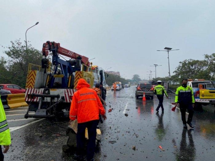 Kecelakaan Beruntun Libatkan Bus TNI & Kemenhan di Tol Jagorawi: 2 Orang Luka-luka