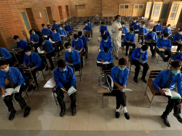 FOTO: Pakistan Membuka Kembali Sekolah dan Universitas