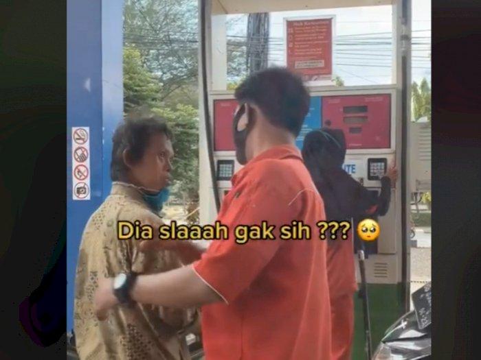 Sedih, Pria Berkebutuhan Khusus Dijewer oleh Petugas SPBU, Netizen Emosi