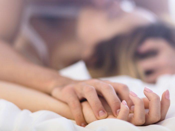 Dokter Sarankan Suami Istri Pakai Masker Saat Berhubungan Intim, Hindari Penyebaran Covid