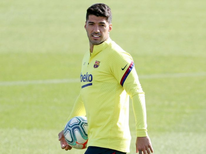 Terhambat Urusan Paspor, Juventus Mulai Pesimis untuk Transfer Suarez
