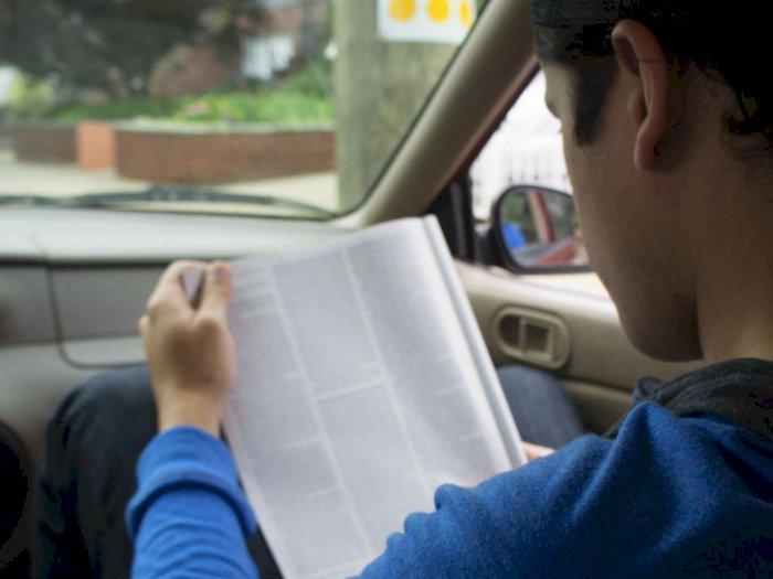 Mengapa Membaca di Mobil Membuat Mual atau Mabuk Perjalanan?