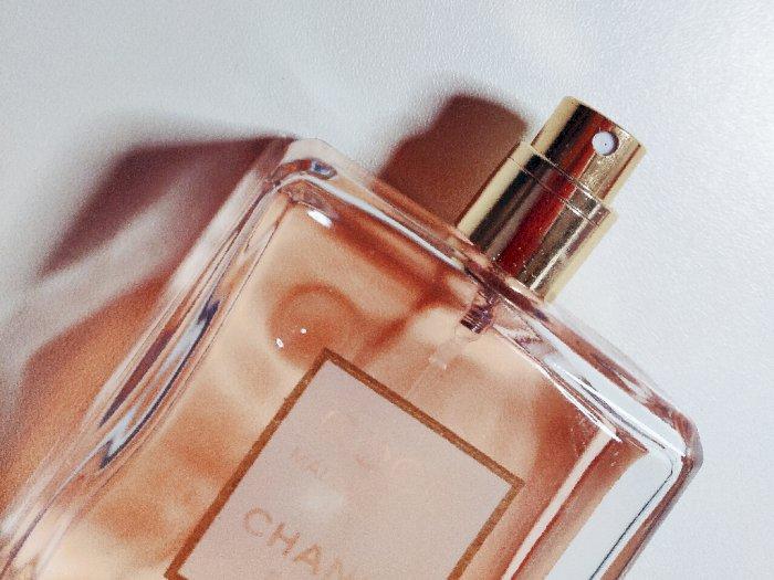 3 Rekomendasi Parfum untuk Pria yang Memberikan Kesegaran Sempurna
