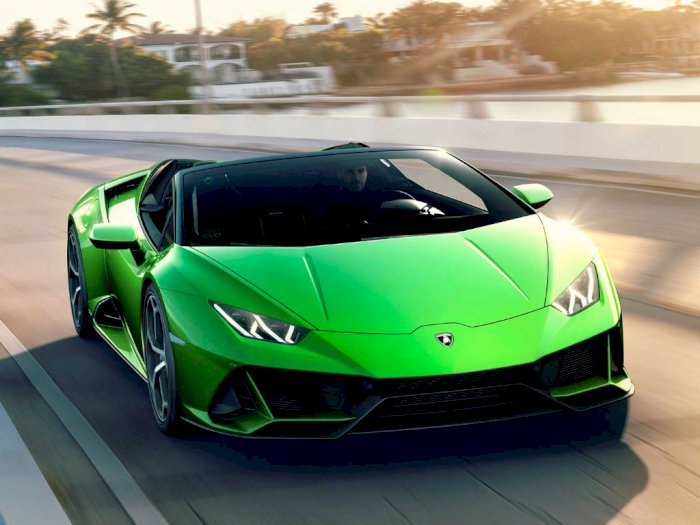 Perbandingan Kecepatan Antara Lamborghini Huracan Evo dan Porsche 911 Turbo S