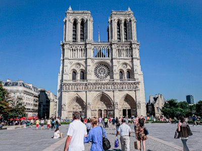 Ditutup Pasca Kebakaran 2019 Lalu, Ruang Bawah Tanah Notre Dame Paris Kembali Dibuka
