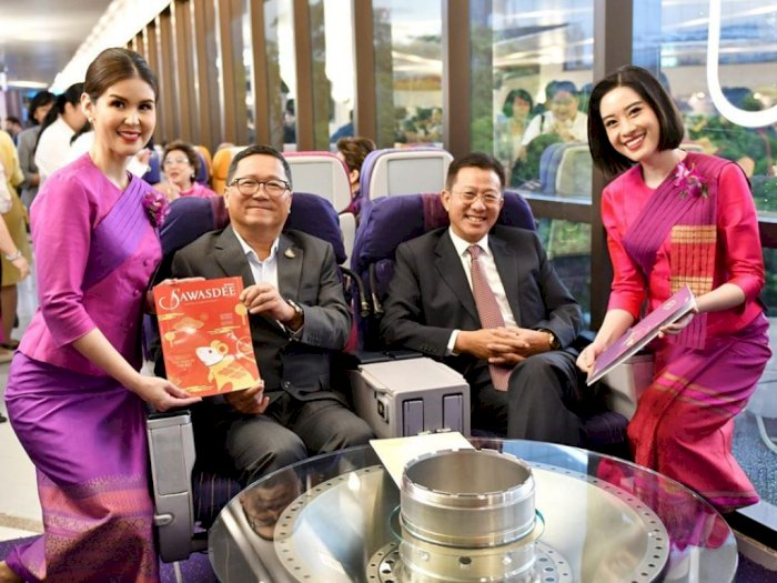 Penumpang Menurun, Thai Airways Buka Restoran Seperti di Pesawat, Ada Pramugarinya Juga