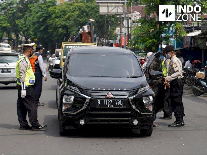 Kasatpol PP DKI: Wajib Pakai Masker di Dalam Mobil Walaupun Sendirian