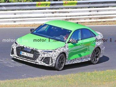 Mobil Sedan Audi RS3 2021 Terbaru Terlihat Sedang Melaju di Nurburgring