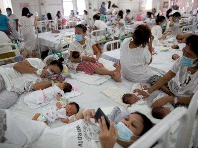 FOTO: Kepadatan Rumah Sakit Bersalin Filipina di Tengah Pandemi