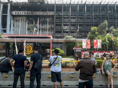 Status Naik Sidik, 12 Saksi Diperiksa Pekan Depan Terkait Kebakaran Kejagung