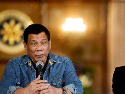 Duterte Pertahankan Aturan Jaga Jarak Satu Meter di Filipina