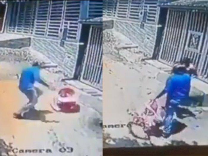 Tonton Aksi Heroik Pria Selamatkan Balita Tergelincir di Jalan, Sikapnya Dipuji Warganet!