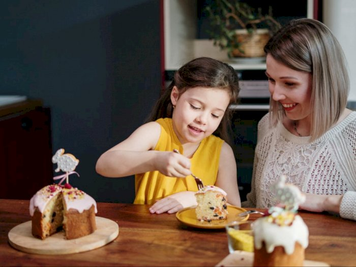 Tips Parenting agar Anak Tak Suka Cari Sensasi di Medsos