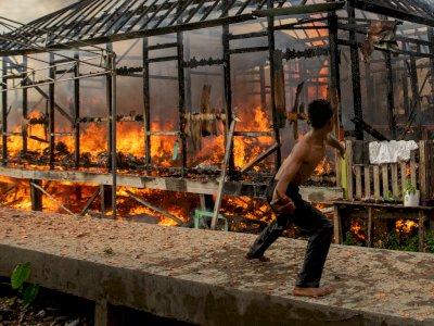 FOTO: Kebakaran Pemukiman Padat Penduduk di Palembang