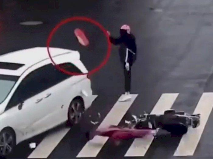 Viral Video Tabrakan antara Motor dan Mobil, Netizen Kira Kakinya Copot, Ternyata..
