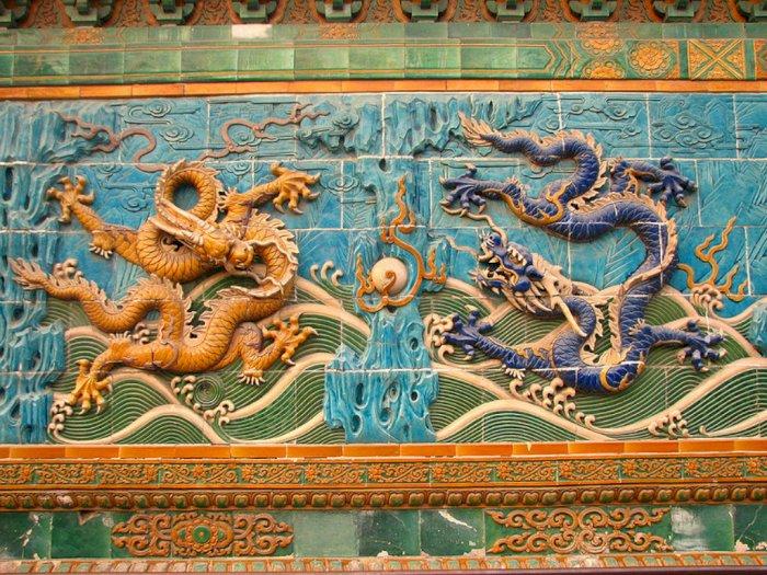 Naga sebagai Simbol Kekuatan dan Penakluk Kejahatan dalam Mitologi Tiongkok