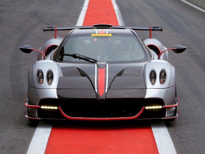 Melihat Mobil Pagani Huayra BC Roadster Saat Melaju di Circuit de Spa-Francorchamps!