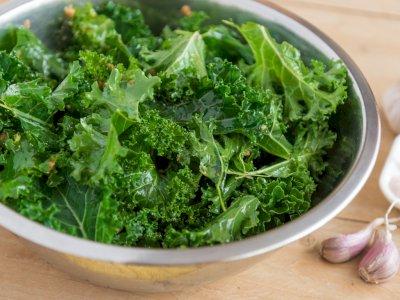 5 Makanan Sehat yang Ternyata Bisa Bikin Perut Kembung