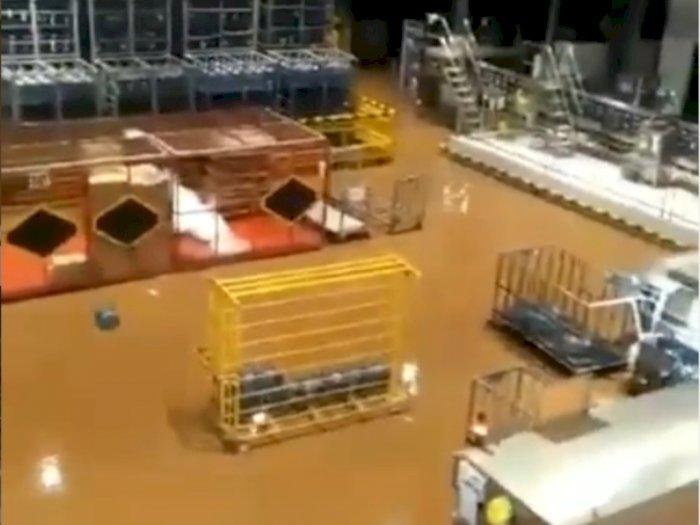 Viral Penampakan Pabrik Aqua di Sukabumi Berubah Jadi Air Cokelat Pasca Diterjang Banjir