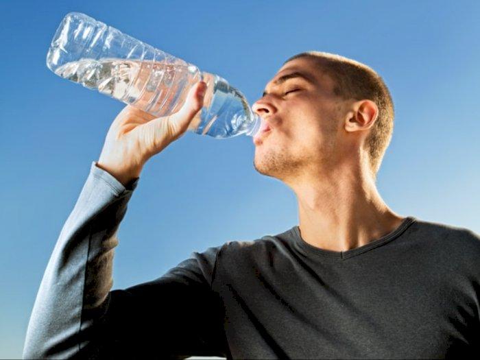 Benarkan Konsumsi Air Alkali Baik Bagi Kesehatan Tubuh?