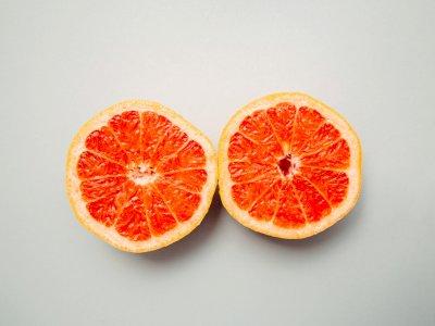 Ingin Punya Payudara Berisi dan Kencang? Ini 4 Makanan yang Bisa Membantu