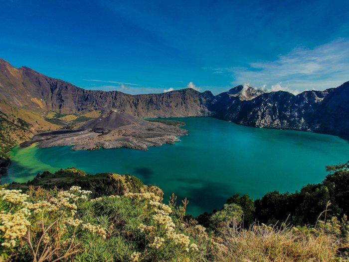 6 Danau Terindah di Indonesia dengan Pesona Menakjubkan dan Memanjakan Mata