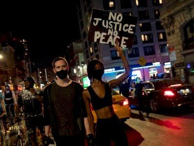 FOTO: Unjuk Rasa Terhadap Keputusan Kepada Polisi Penembak Breonna