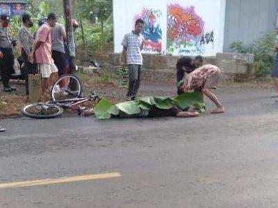 Detik-detik Pesepeda Tewas Ditabrak Mobil di Banyumas, Penabraknya Lari Tak Tanggungjawab