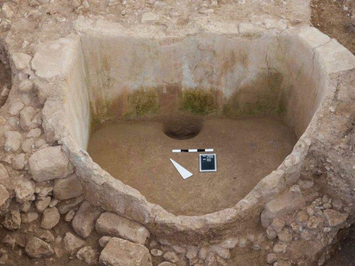 Historis! Arkeolog Temukan Kilang Anggur Berusia 2600 Tahun di Lebanon