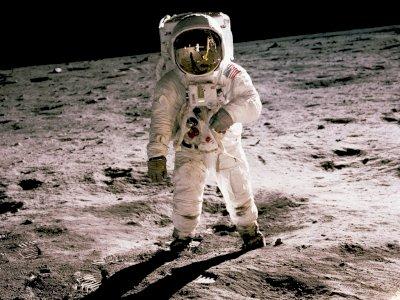 NASA Berencana Daratkan Wanita Pertama di Bulan Tahun 2024, Wih!