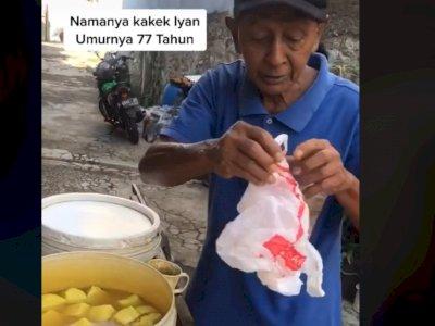 Sedih, Kakek 77 Tahun Dorong Gerobak Jual Tahu Keliling Demi Hidup, Sepi Pembeli