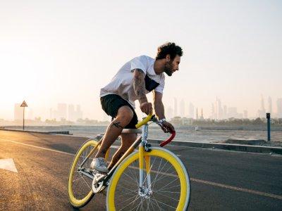 Begini Cara Aman Bersepeda untuk Penderita Sakit Jantung