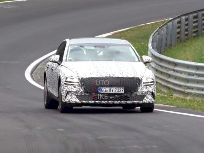 Mobil Genesis eG80 2022 Terlihat Sedang Lakukan Uji Coba di Nürburgring