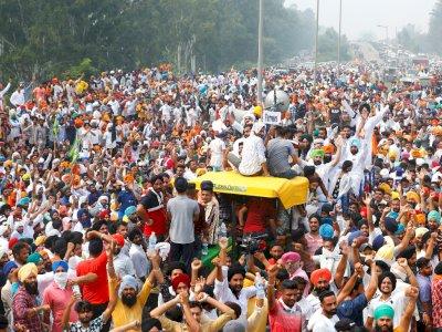 FOTO: Para Petani India Menentang Kebijakan Tagihan Pertanian