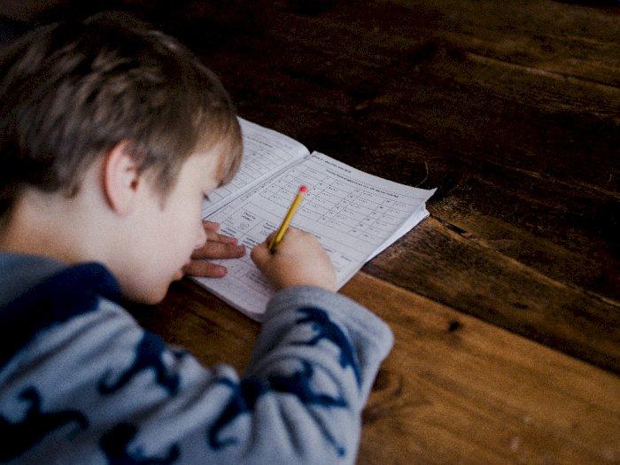 Selama Pandemi Anak Lebih Aman Belajar dari Rumah, Ini Alasannya!