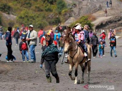Kementerian Pariwisata Susun Protokol Kesehatan untuk Pendakian Gunung hingga Arung Jeram