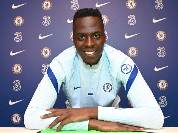 Edouard Mendy Resmi Jadi Penjaga Gawang Baru Chelsea
