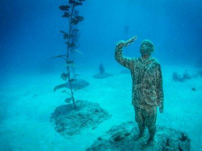 Jelang Musim Gugur, Prancis Buka 3 Museum Patung Bawah Air